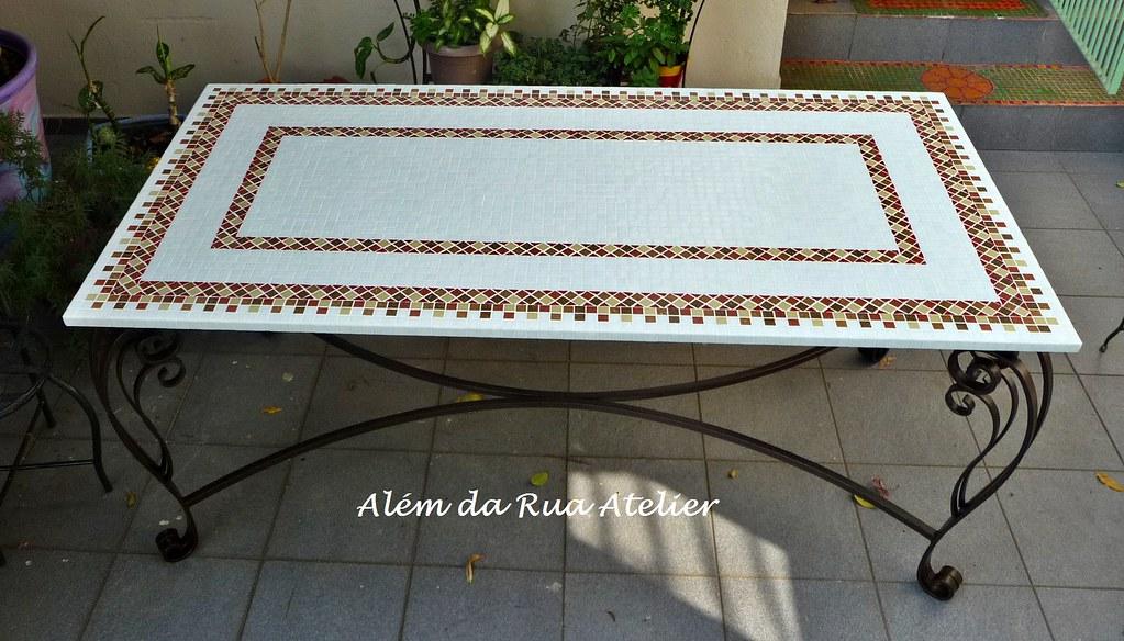 Mesa de mosaico com p de ferro med 1 80 x 0 90 for Mesas de mosaico