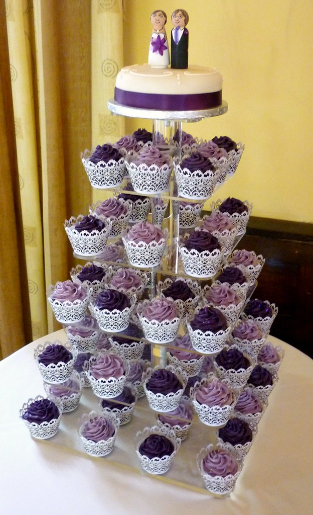 Wedding Cake And Cupcakes Purple Purple Wedding Cupcake To