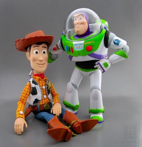 Pixar toy story collection talking sheriff woody buzz for Toy story 5 portada