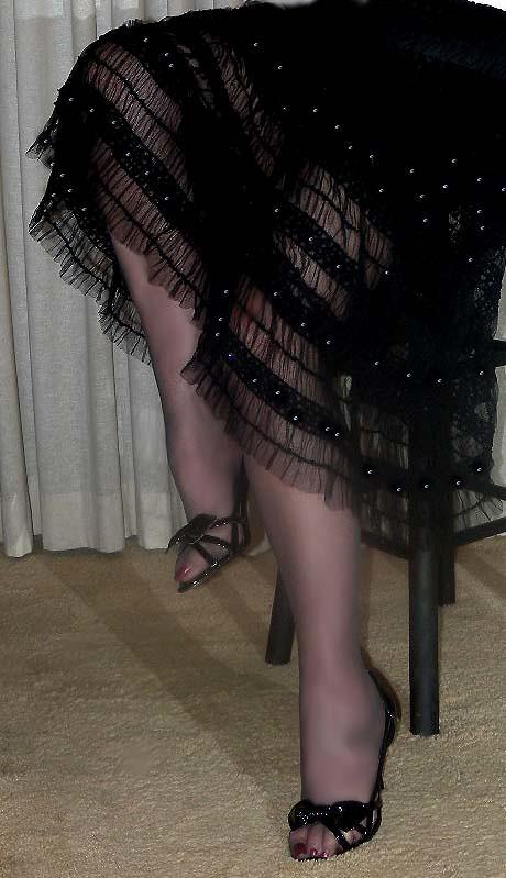 Leg mature open, kim parker nude