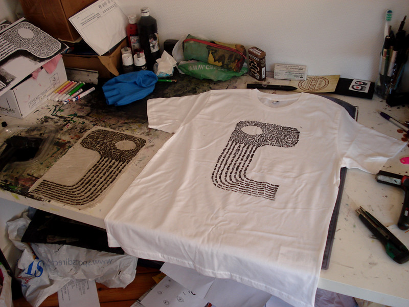 impression de linogravure sur t shirt impression de. Black Bedroom Furniture Sets. Home Design Ideas
