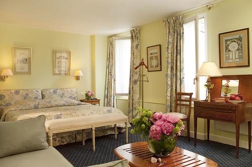Hotel relais louvre paris hotel relais du louvre paris for Paris hotel de charme