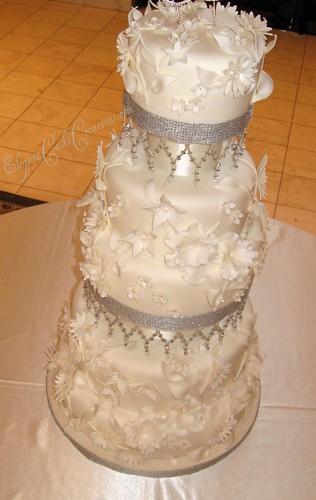 wedding cakes with crystals flowers amp crystals wedding cake 2 loved and hated this 26009