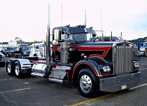 All American Cab >> Vintage Kenworth Day Cab! | U.S. Diesel National Truck Show,… | Flickr