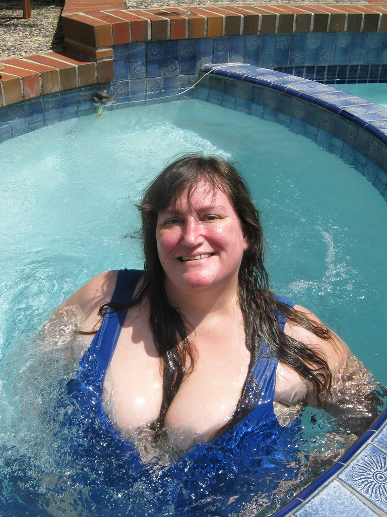 Bbw in the swimming pool