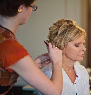 mother-of-the-bride-hairstyle-3 | by vanmobilehair