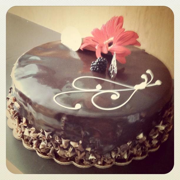 White Chocolate Grand Marnier Cake
