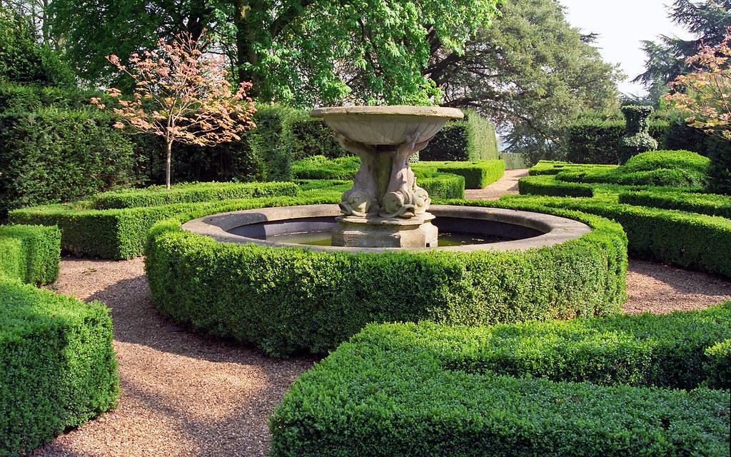 Ascott House Gardens Buckinghamshire Uk National Trust