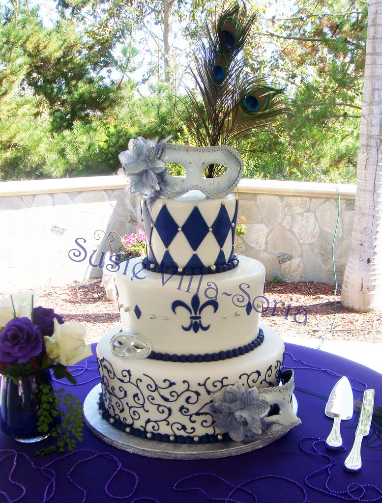 Mardi Gras Wedding | This is a three tier fondant wedding ca… | Flickr