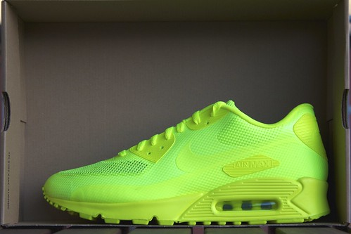 Nike Air Max 90 Hyperfuse Volt