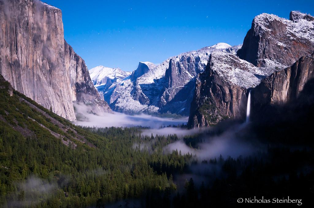 Lunar Presence- Yosemite Tunnel View, Yosemite National Pa ...