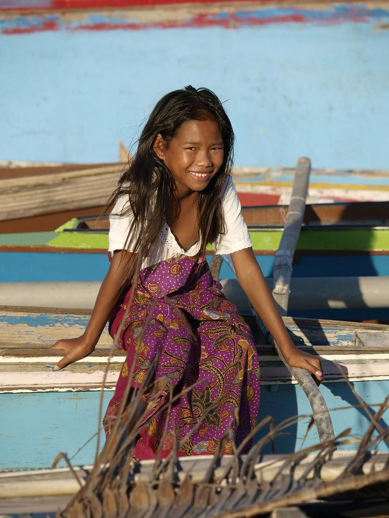Girl From Sipadan Sempoma Fishing Village, Malaysia, Photo -8512