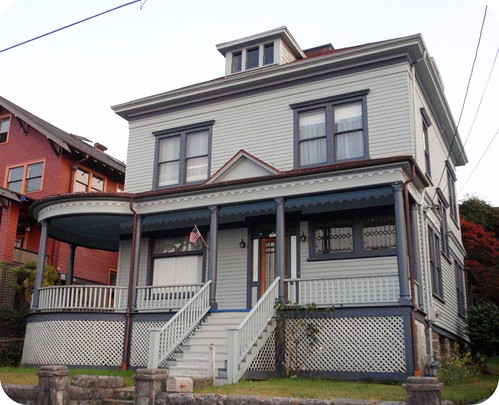 Gray American Foursquare with bay porch | by eg2006
