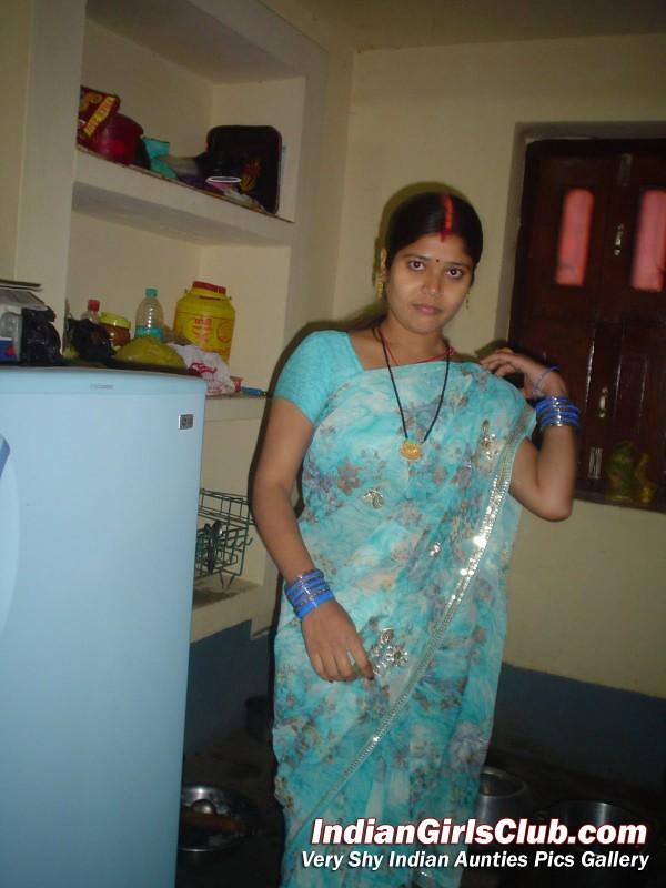 Cute-Real-Life-Indian-Aunty-Saree-600X800  Harsh Kumar -3967