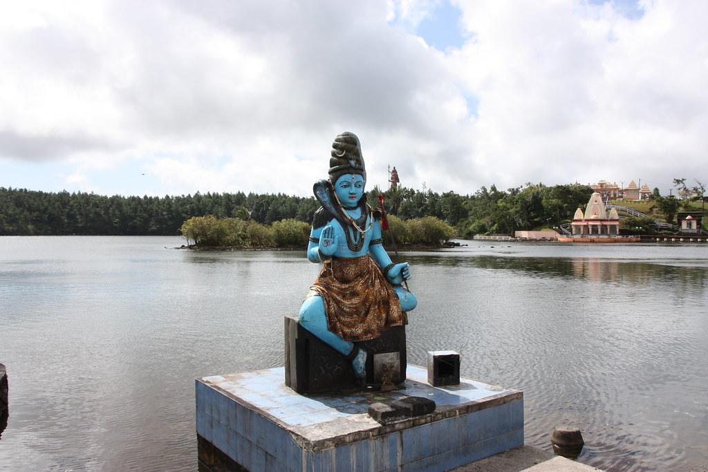 Grand bassin ganga talao lake mauritius ganga talao or flickr - Bassin canard mauritius saint paul ...
