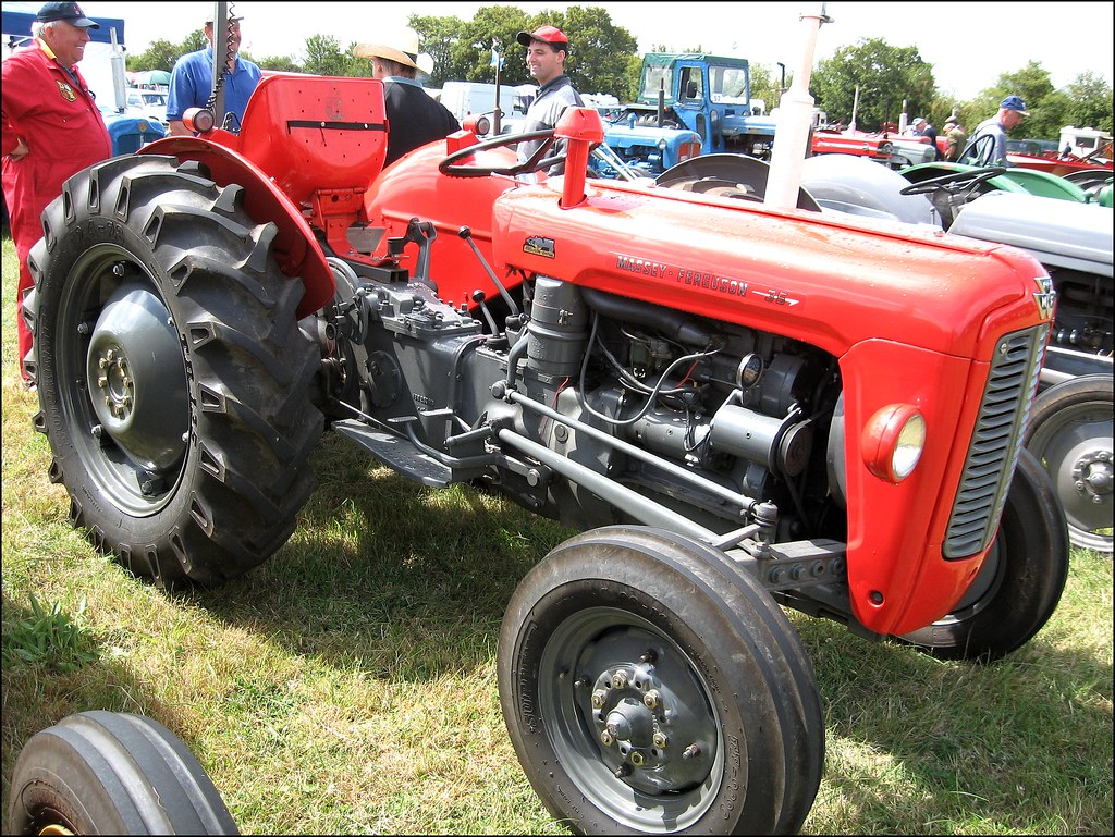 1960 massey ferguson fe35 powered by a perkins. Black Bedroom Furniture Sets. Home Design Ideas
