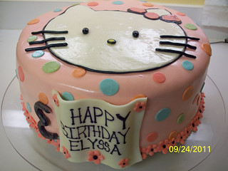 Hello Kitty cake | by Erika's Edible Art