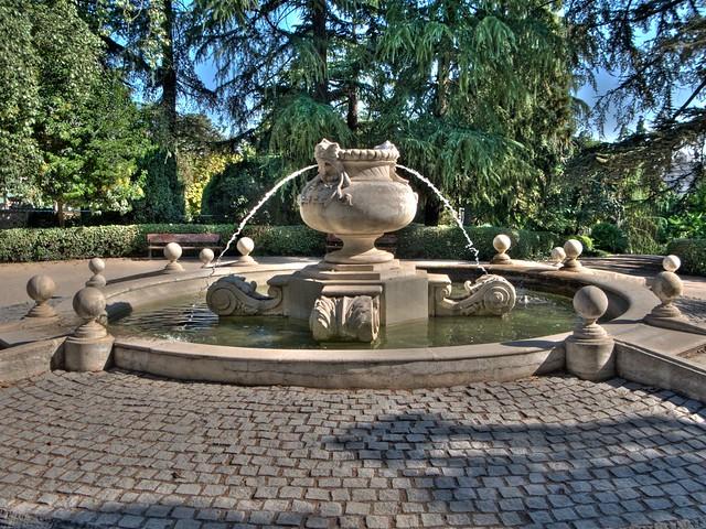 Parque fuente del berro fuente mirador globo 0 2ev 2ev for Piscina fuente del berro