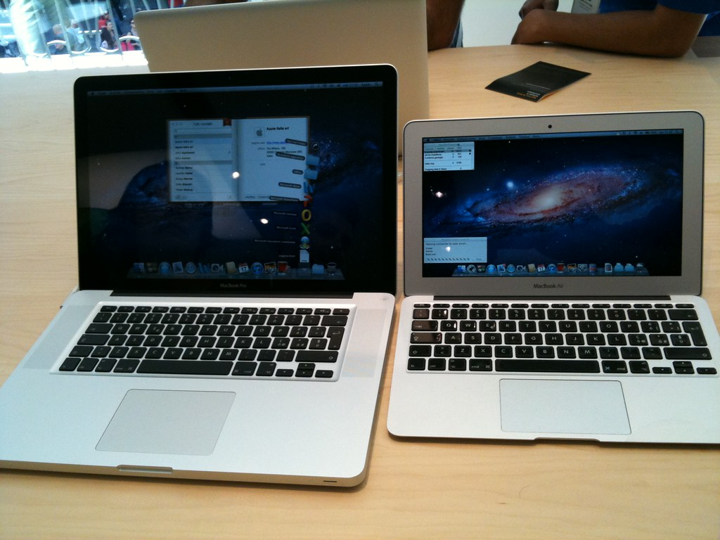 macbook pro 15 vs macbook air 11 nicola d 39 agostino flickr. Black Bedroom Furniture Sets. Home Design Ideas