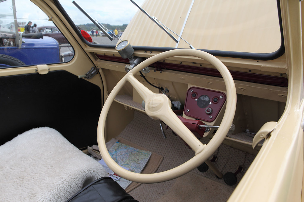 Citroen 2cv interior dash c1956 dale chappell flickr for Free interior pictures