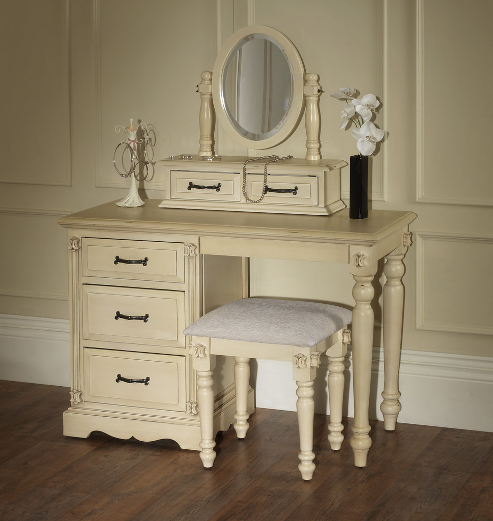 Victorian Dressing Table Set In The Victorian Era There