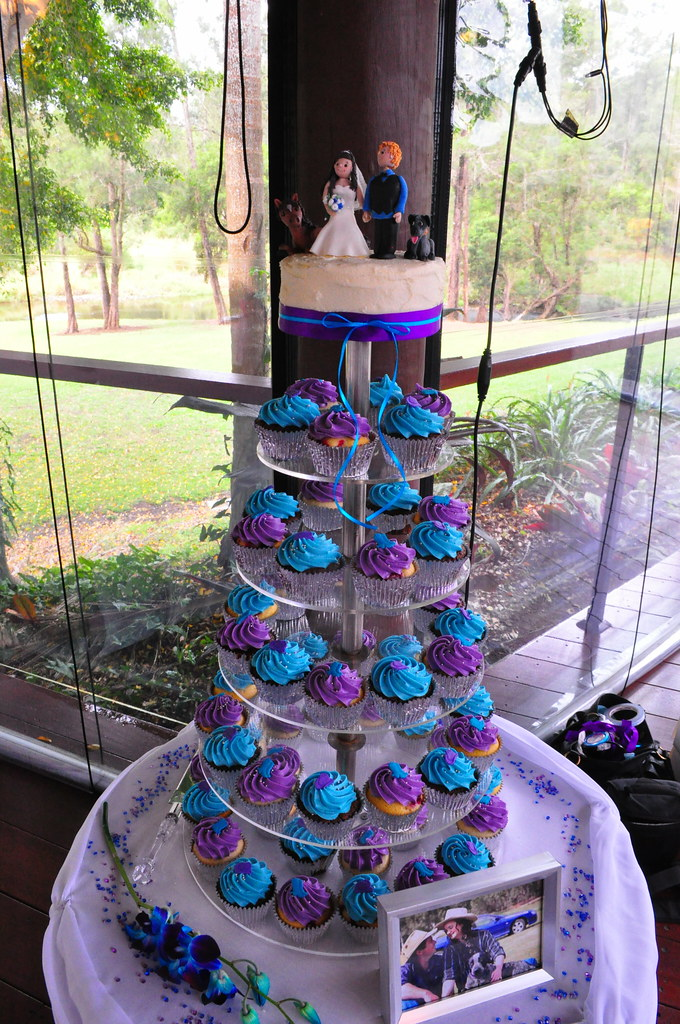 purple and turquoise wedding cakes purple and turquoise wedding cupcakes choc mud 18880