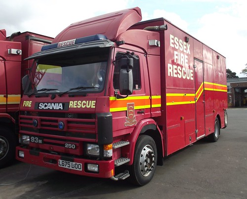 Essex County Fire and Rescue Service / Scania 93M / Rescue Tender / L675 LOO | by Chris' 999 Pics