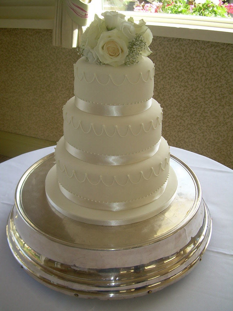 fresh flowers wedding cake all vanilla with strawberry and flickr. Black Bedroom Furniture Sets. Home Design Ideas