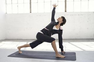 White Yoga Session: Paris opens its chakras! Check it out on Hoosta Magazine.