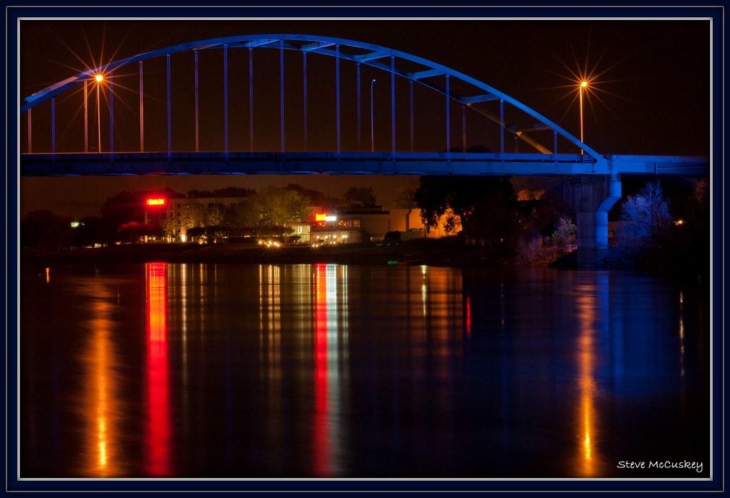Veterans Bridge Over The Missouri River In Sioux City Ia