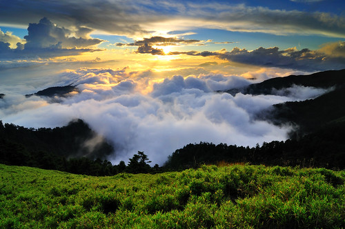 Sea of clouds in Mt. Hehuan 合歡雲海 | by Vincent_Ting