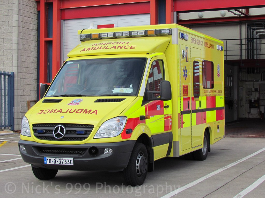 Dublin airport fire station ambulance 1 mercedes benz for Mercedes benz emergency