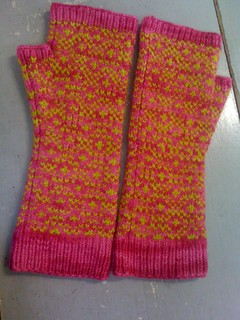 Endpaper Mitts | by ImagiKnit