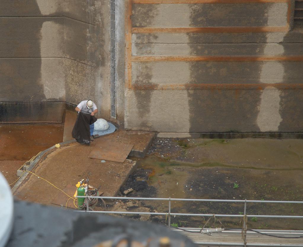 Downstream Miter Gate Leaf Installed At Markland Locks And