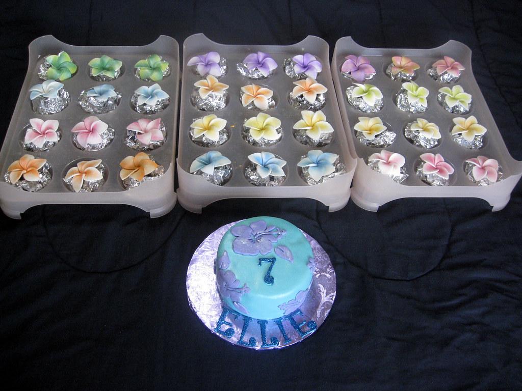 Gumpaste Plumerias Cupcake Toppers And Hibiscus Smash Cake Flickr