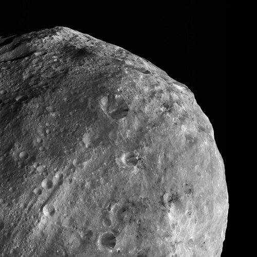 Mountains and Dark Material on Vesta | This image of Vesta ...