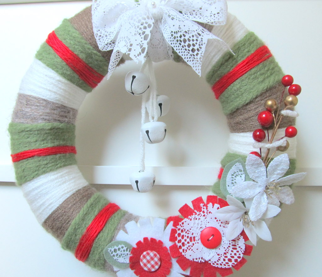 yarn wreath christmas colors with jingle bells by april421