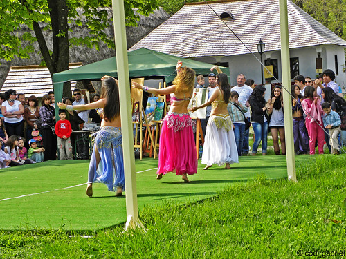 Belly dance at the Romanian Village Museum | by cod_gabriel