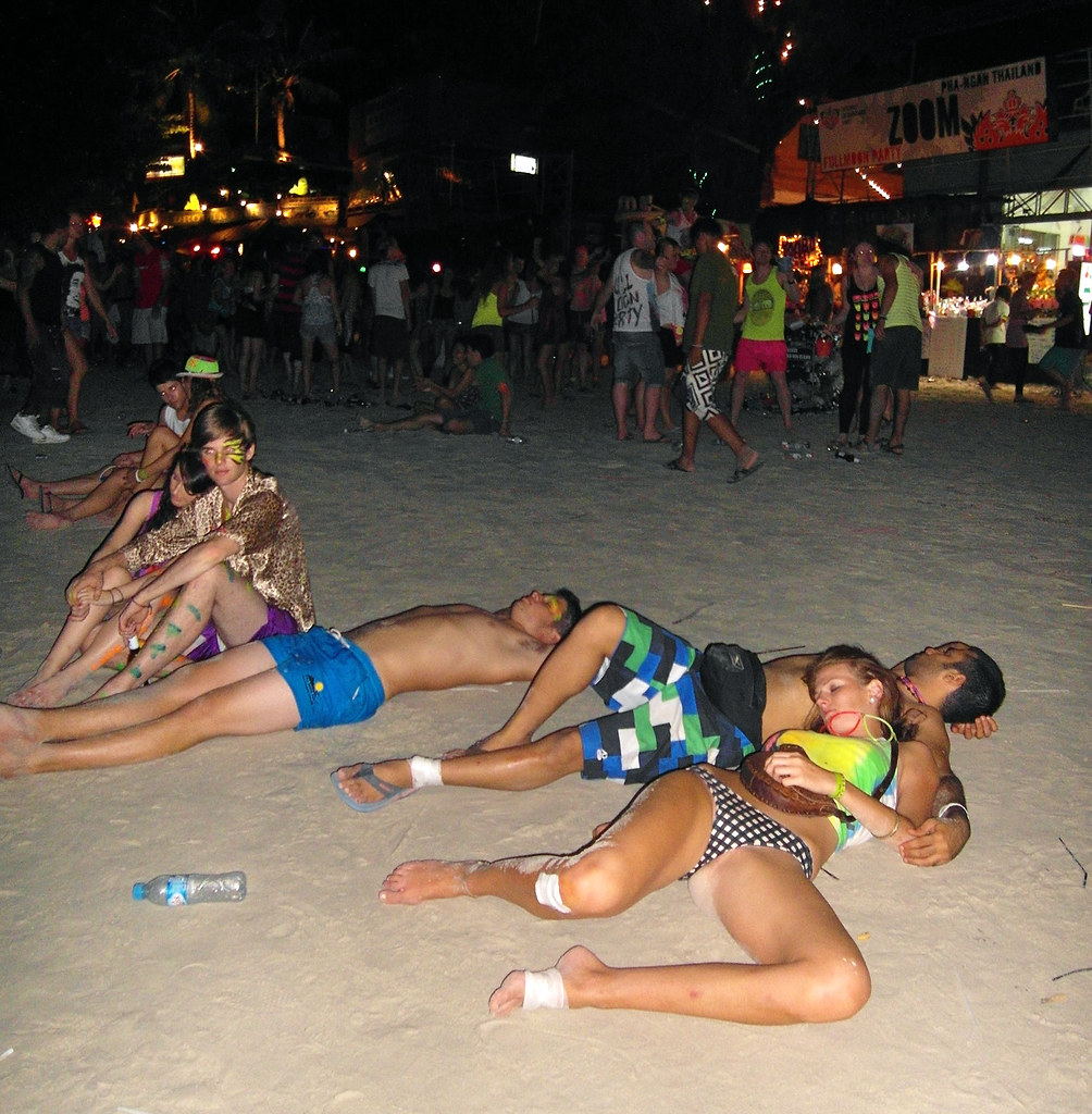 full moon party sex