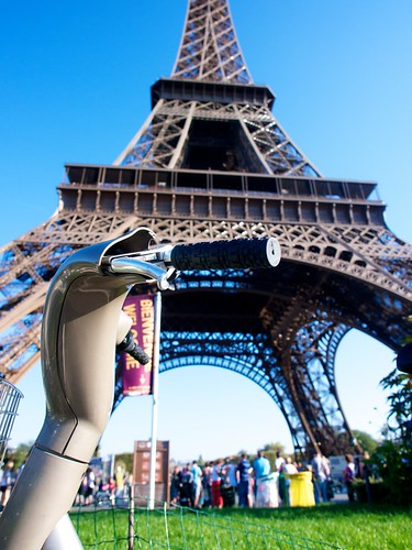 Paris with an E-P3: Velibs at Eifell Tower | by Hugger Industries