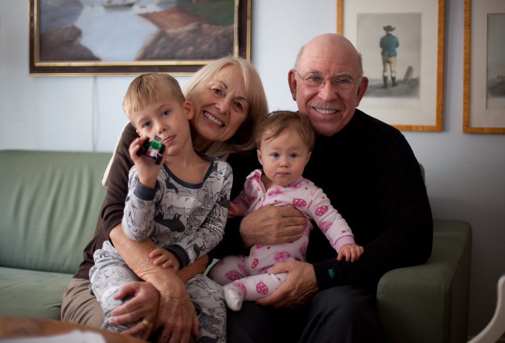 7 Great Apps that bring Grandparents and Grandchildren together
