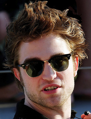 ... JenniferFisher2011 rob-pattinson-ray-ban-3016   by JenniferFisher2011 3e02b5ef4dae