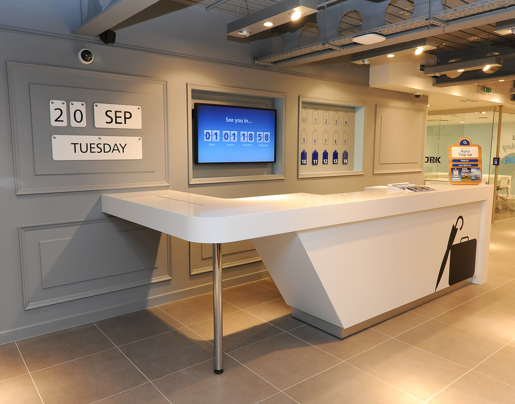 o2 tottenham court road store tour our concierge desk re flickr. Black Bedroom Furniture Sets. Home Design Ideas