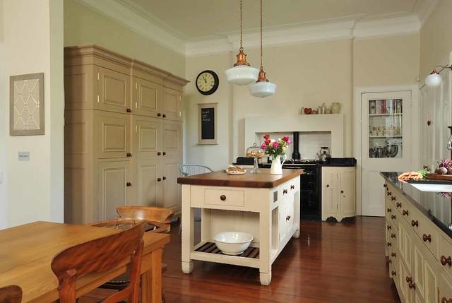Classic Chalon Kitchen | Chalon produce a range of hand ...