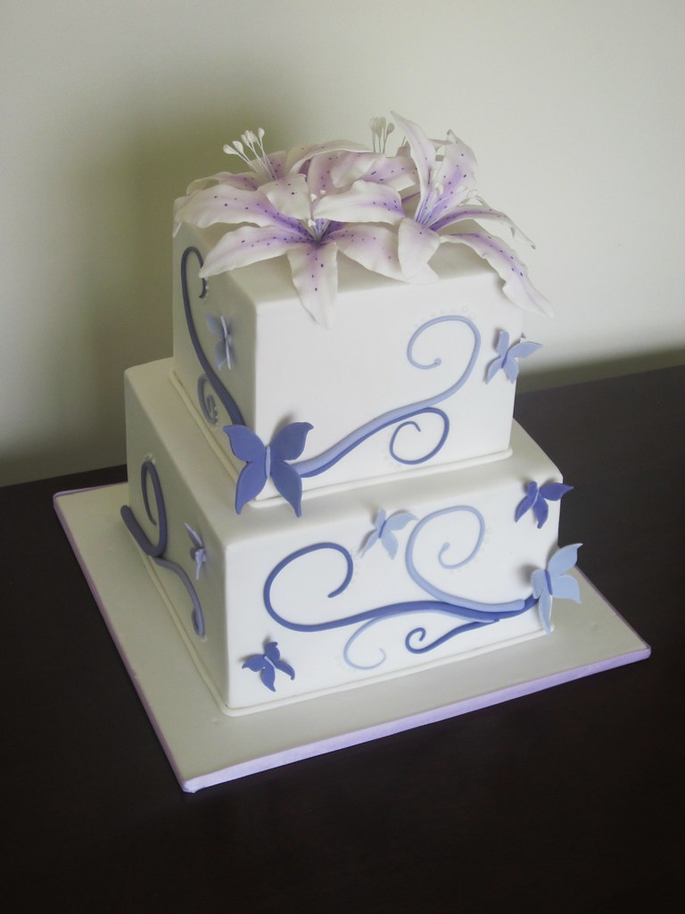 Butterfly swirl wedding cake. | This was the first time maki… | Flickr