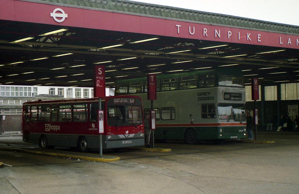the old turnpike lane bus station in 1991 bristolre2007. Black Bedroom Furniture Sets. Home Design Ideas