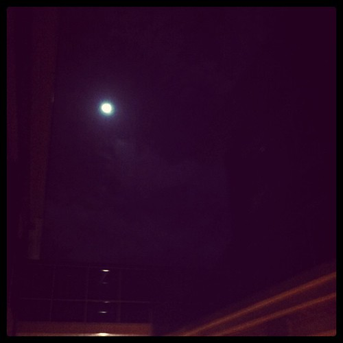 Make wish to the full moon. Background music: Just Like A Pill by P!nk http://vevo.ly/ge2grA | by 지호 | Ji-Ho | 志浩