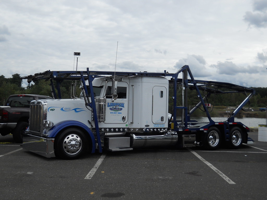 Peterbilt Car Carrier Larick S Towing And Transport Inc D Flickr
