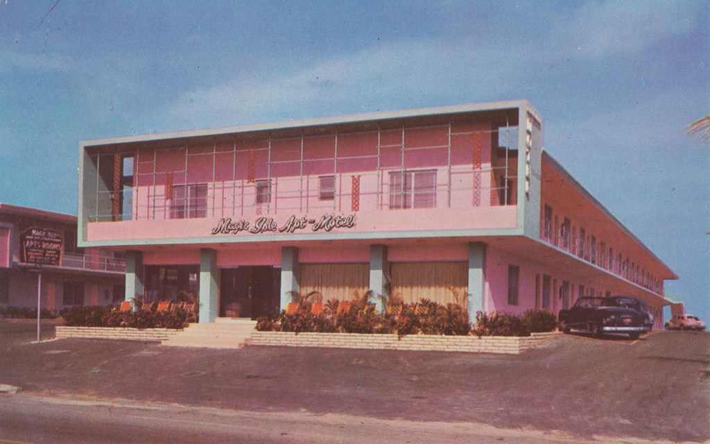 Magic Isle Apt. Motel - Miami Beach, Florida