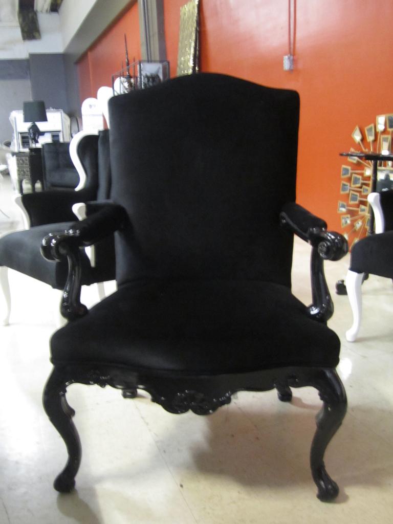 ... 4053 BLACK VELVET BAROQUE CHAIR | By Diva Rocker Glam (844) 448